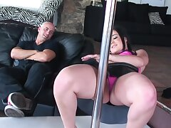 Stripper Amy Starz loves having a finger at hand rub-down the ass during sexual connection