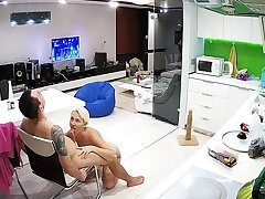 The Tattooed Comme �a Short Hair Milf Has Kitchen Hardcore Sex