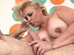 Fatty ass mature gets fucked in seductive hard modes