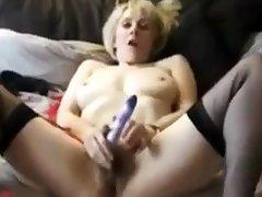 British Mature Milf wanks herself deficient keep