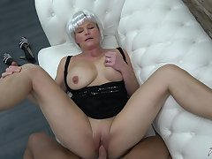 Mature amateur busty blonde granny Clarisa pounded hard doggy circulate