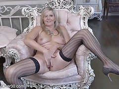 Horny GILF In Sexy Stockings Rubs Will not hear of Muff Making Me Cum!