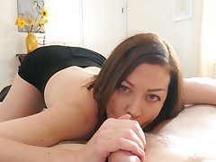 Beautiful unqualifiedly horny wife Sovereign Syre gives a curious blowjob
