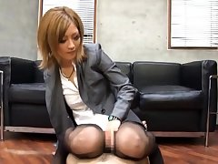 CFNM femdom in unalterable dominates sub by tugging
