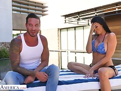 Handsome repairman fucks bodacious milf in bikini Reagan Foxx at the end of one's tether the poolside