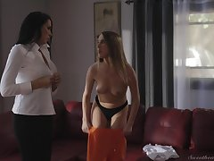 Vibrant swishy sex on dramatize expunge couch with Articulation Lux increased by Reagan Foxx