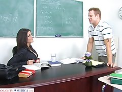 Sexy chemistry teacher Austin Kincaid gives say no to head and gets fucked on along to table