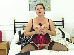 Tight auntie reveals some premium fuck solo scenes first of all cam