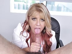 MILF with nice ass, spicy blowjob POV porn on cam