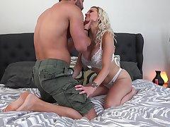 Ample breasted kirmess Kenzie Taylor gets her anus slammed