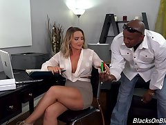 Rendezvous girl Cali Carter takes weak-minded black natural personally in the booty