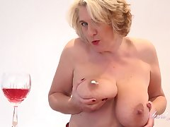 Tantalizing Dessert Time With Camilla - Pussy Rubbing