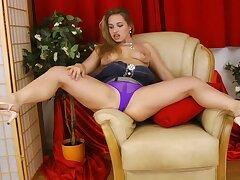 Trimmed pussy amateur Olga Cabaeva pleasures their way cravings matey